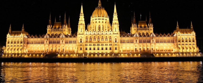 SALIDA GRUPAL A LOS BALCANES, PRAGA Y DUBAI - Dubai / Viena / Mostar / Sarajevo / Dubrovnik / Split / Zagreb / Ljubjana / Ljubljana / Postojna / Trieste / Venecia / Praga /  - Buteler Viajes