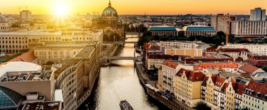 SALIDAS GRUPALES A PAISES BALTICOS, POLONIA Y BERLIN